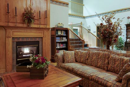 Lobby | Country Inn & Suites by Radisson, Lancaster (Amish Country), PA