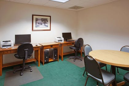 Business Center | Country Inn & Suites by Radisson, Lancaster (Amish Country), PA