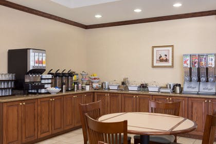Breakfast Room | Country Inn & Suites by Radisson, State College (Penn State Area), PA