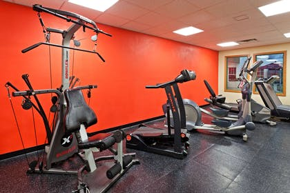 Fitness room   Country Inn & Suites by Radisson, York, PA