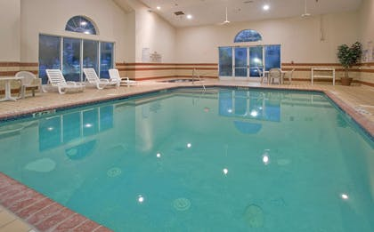 Pool   Country Inn & Suites by Radisson, Columbia, SC