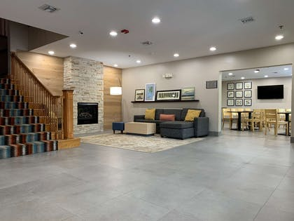 Lobby and Dining Area | Country Inn & Suites by Radisson, Charleston North, SC