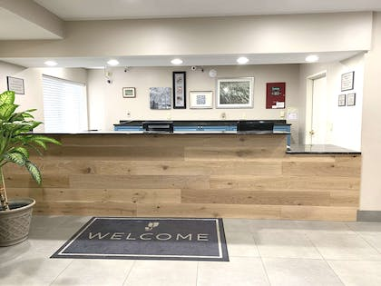 Front Desk | Country Inn & Suites by Radisson, Charleston North, SC