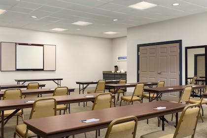 Meeting Room | Country Inn & Suites by Radisson, Summerville, SC