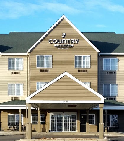 Exterior   Country Inn & Suites by Radisson, Watertown, SD