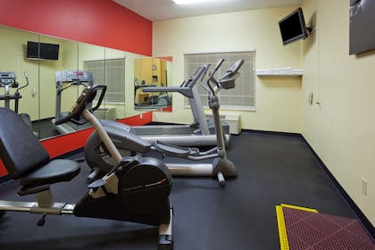 Fitness Center   Country Inn & Suites by Radisson, Watertown, SD