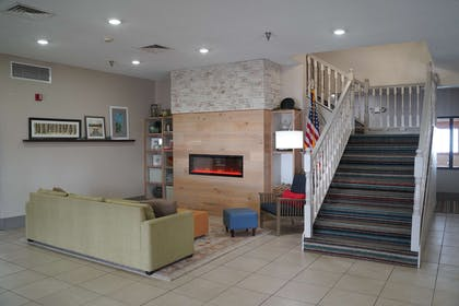 Lobby   Country Inn & Suites by Radisson, Watertown, SD