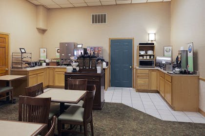 Breakfast Room | Country Inn & Suites by Radisson, Sparta, WI
