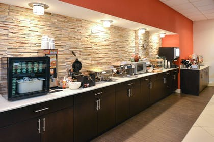 Breakfast Buffet | Country Inn & Suites by Radisson, Nashville Airport, TN