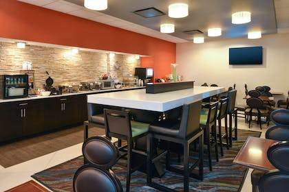 Breakfast Area | Country Inn & Suites by Radisson, Nashville Airport, TN