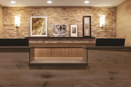 Hotel Front Desk | Country Inn & Suites by Radisson, Nashville Airport East, TN