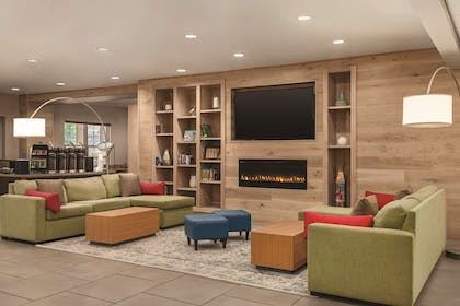 Hotel Lobby | Country Inn & Suites by Radisson, Nashville Airport East, TN
