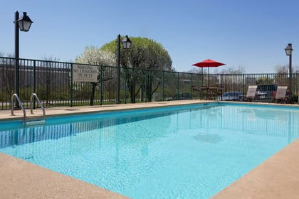 Pool | Country Inn & Suites by Radisson, Nashville, TN