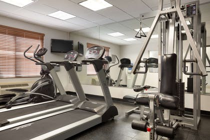 Fitness Center   Country Inn & Suites by Radisson, DFW Airport South, TX