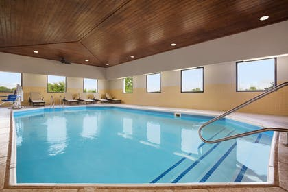 Pool   Country Inn & Suites by Radisson, DFW Airport South, TX