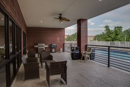 Patio | Country Inn & Suites by Radisson, Harlingen, TX