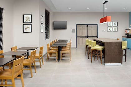 Breakfast Room | Country Inn & Suites by Radisson, Houston Intercontinental Airport Eas