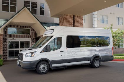 Shuttle | Country Inn & Suites by Radisson, Houston Intercontinental Airport Eas