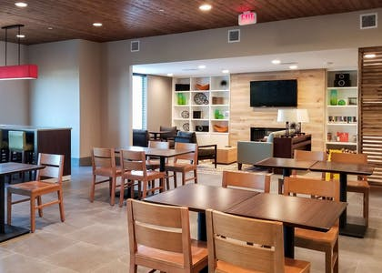 Breakfast | Country Inn & Suites by Radisson, New Braunfels, TX