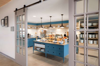 Servery | Country Inn & Suites by Radisson, New Braunfels, TX