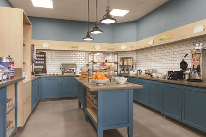 Servery | Country Inn & Suites by Radisson, Bakersfield, CA