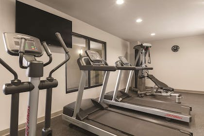 Fitness Center | Country Inn & Suites by Radisson, Bakersfield, CA