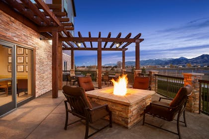 Patio | Country Inn & Suites by Radisson, Bozeman, MT