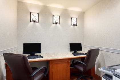 Business Center | Country Inn & Suites by Radisson, Buffalo South I-90, NY