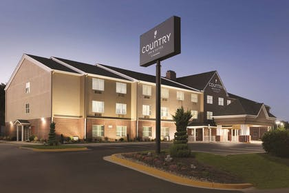 Hotel Exterior | Country Inn & Suites by Radisson, Washington, D.C. East - Capitol Heig