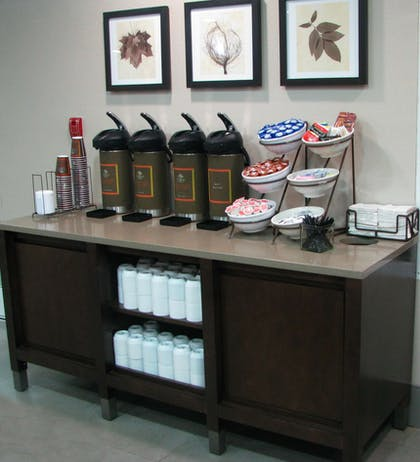 Coffee, Hot Water & Condiment Packs   Country Inn & Suites by Radisson, Cookeville, TN