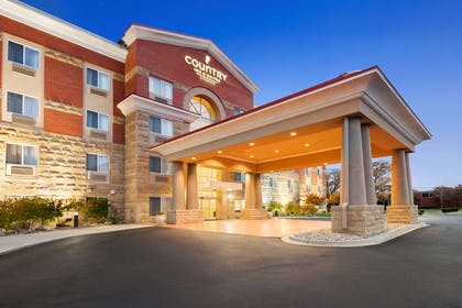 Hotel Exterior   Country Inn & Suites by Radisson, Dearborn, MI