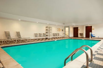 Pool   Country Inn & Suites by Radisson, Dearborn, MI