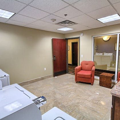 Guest Laundry   Country Inn & Suites by Radisson, Dearborn, MI