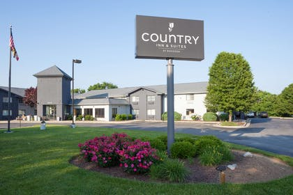 Hotel Exterior   Country Inn & Suites by Radisson, Frederick, MD