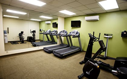 Fitness Center   Country Inn & Suites by Radisson, Harrisburg West, PA
