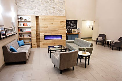 Lobby   Country Inn & Suites by Radisson, Harrisburg West, PA