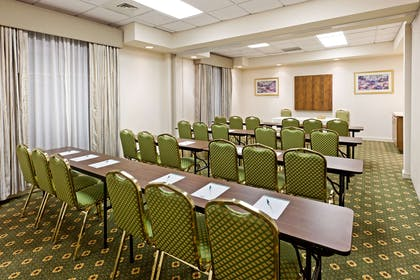 Meeting Room   Country Inn & Suites by Radisson, Harrisburg West, PA