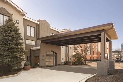 Exterior   Country Inn & Suites by Radisson, Hoffman Estates, IL