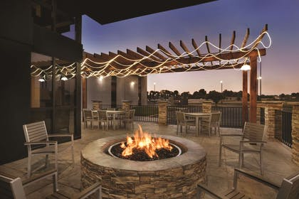 Patio Fireplace | Country Inn & Suites by Radisson Indianapolis East