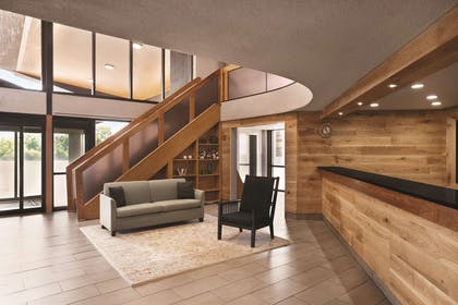 Lobby | Country Inn & Suites by Radisson Indianapolis East