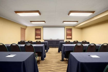 Meeting Room   Country Inn & Suites by Radisson, Jacksonville I-95 South, FL