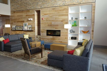 Lobby | Country Inn & Suites by Radisson Lawrence