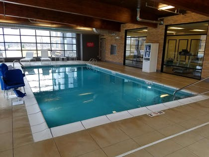 Pool | Country Inn & Suites by Radisson Lawrence