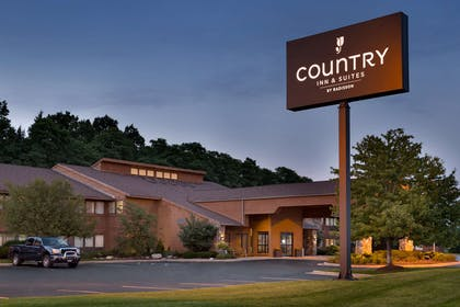 Hotel Exterior | Country Inn & Suites by Radisson, Mishawaka, IN
