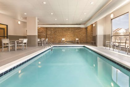 Pool | Country Inn & Suites by Radisson, Ocean City, MD