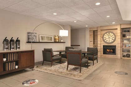 Lobby | Country Inn & Suites by Radisson, Port Clinton, OH