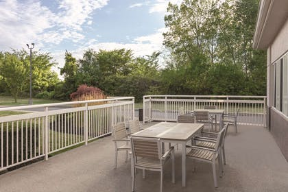 Outdoor Seating | Country Inn & Suites by Radisson, Port Clinton, OH
