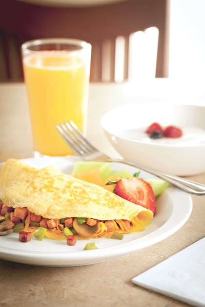 Breakfast Omelet   Country Inn & Suites by Radisson, Portland Delta Park, OR