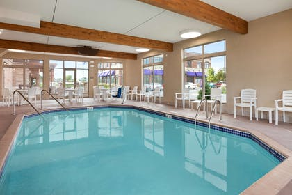 Pool   Country Inn & Suites by Radisson, Roseville, MN