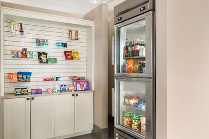 Pantry/Convenience Store | Country Inn & Suites by Radisson, Sidney, NE